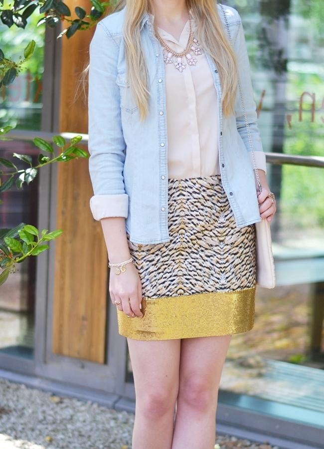 Outfit Glitzer und Gold im Alltag (1)