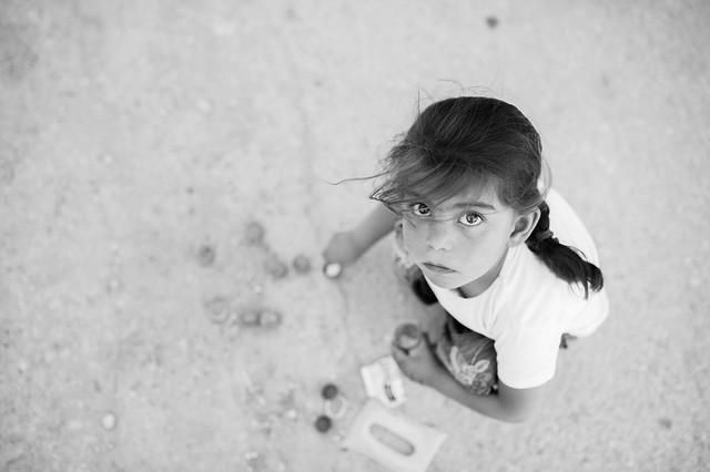 a little Syrian refugee
