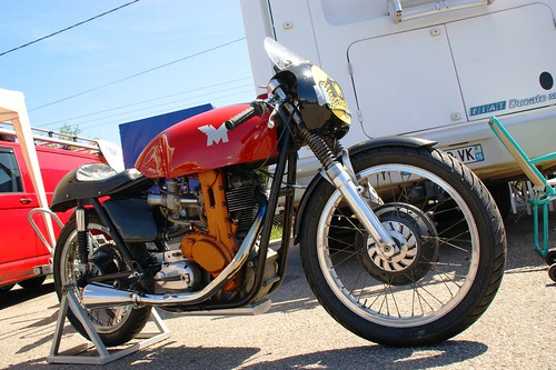 Tiens, une Matchless G50 (Bernard Mary) !