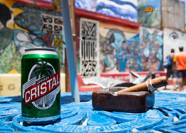Cerveza Cristal y Romeo y julieta wide Churchills