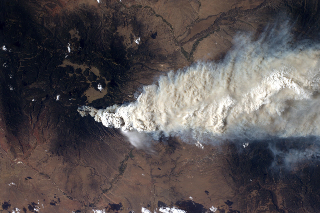 A NASA picture of the Las Conchas wildfire smoke plume.