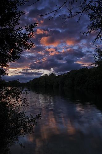 park sunset lake reflection water silhouette clouds pastel cotswold somerfordkeynes neighbridge pentaxk5