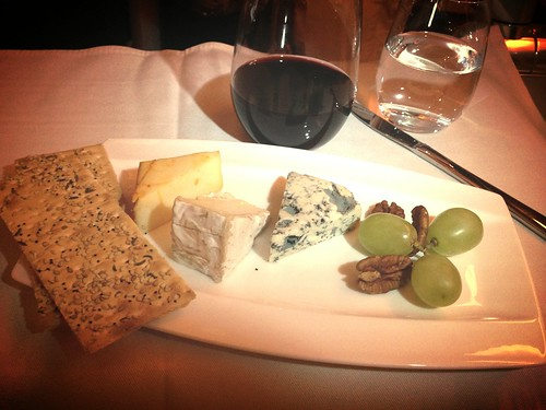 Muenster cheddar, Chatelain camembert, Fourme d'Ambert blue