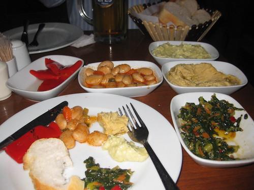 Dinner at 7. Kat Teras