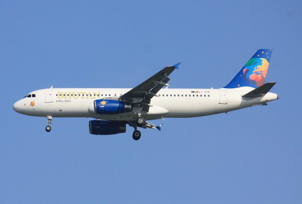 A320-200  LY-SPB