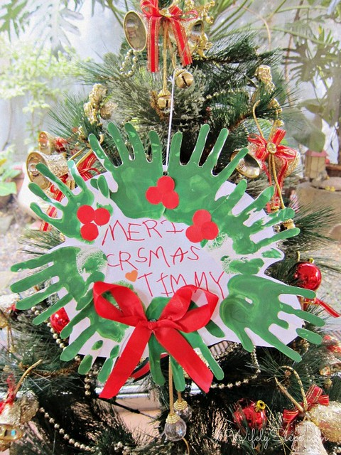 Merry Christmas Hands Wreath