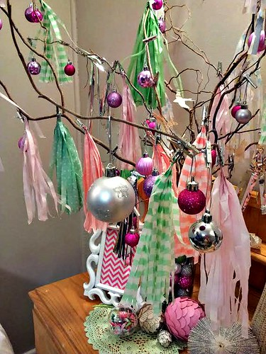 Christmas-tree-tassels