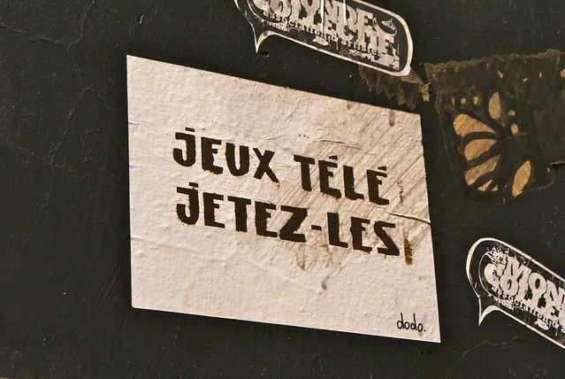 Art de rue et critique de la télé à Lyon
