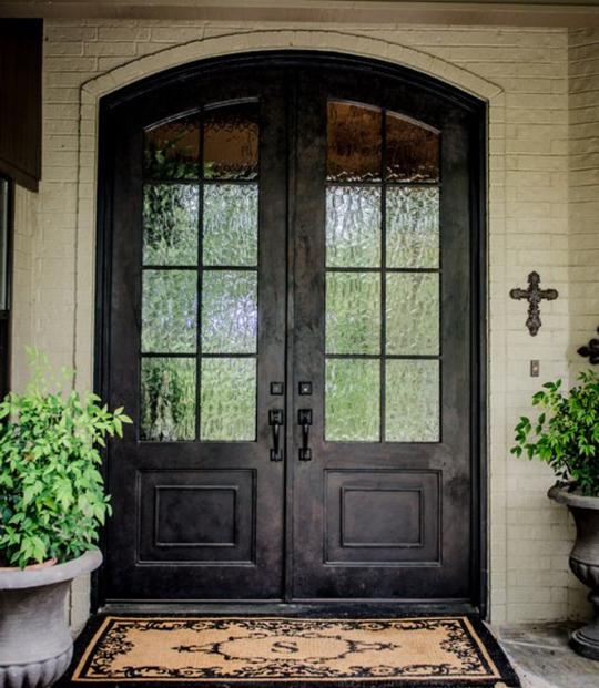 shut the front door wills casawills casa. Black Bedroom Furniture Sets. Home Design Ideas