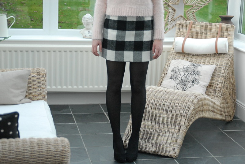 topshop-gingham-aline-skirt-and-fluffy-jumper