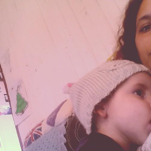♡ bébé malade mais qui ne lâche pas son bonnet pour autant ♡ #allaitement #ourlittlefamily #france