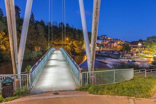 longexposure nightphotography bridge water night foot waterfall le exeter weir riverexe millontheexe exeterfootbridge exetermillstone