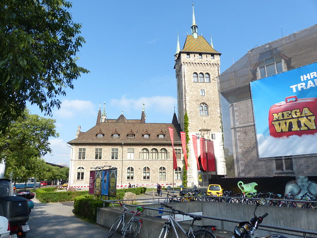 Old Building near Zürich Hauptbahnhof