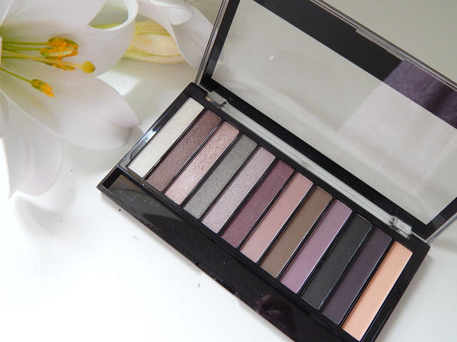 Makeup Revolution Romantic Smoked PaletteReview and Swatches