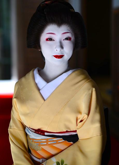 Maiko Toshimana 舞妓とし真菜