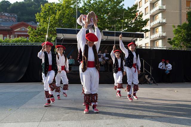 2014-06-13_dantzari-eguna_Eibar_0914_IZ