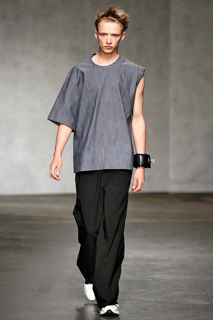 SS15 London Xander Zhou032_Valters Medenis(VOGUE)