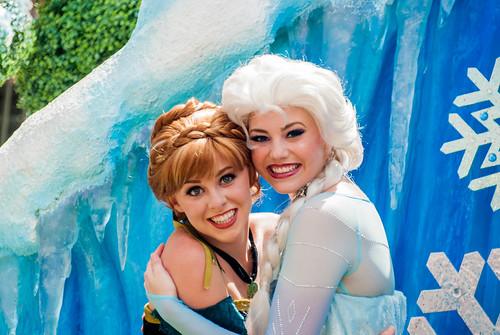 Anna And Elsa Andy Sabis Flickr