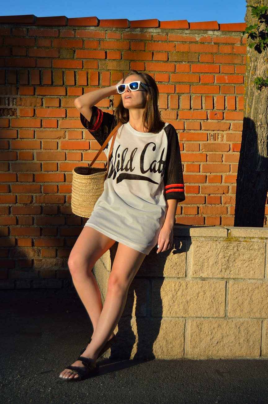 lara-vazquez-madlula-blog-style-fashion-look-wild-cats-tee