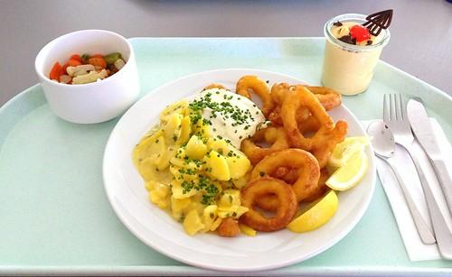 Gebackene Calamari mit Remoulade & Kartoffelsalat / Baked calamari with remoulade & potato salad