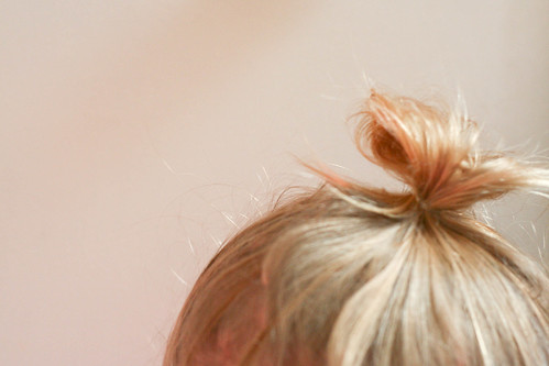 the toddler top knot