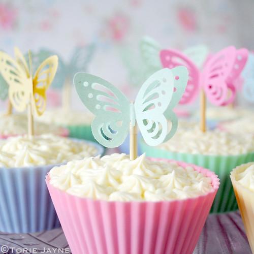 Gluten free peach & white chocolate cupcakes