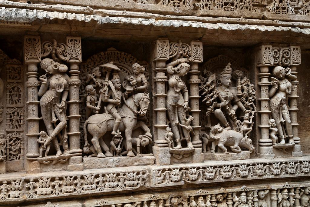 Rani ki vav (Patan) detailed embellishments