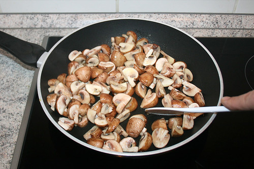 25 - Pilze anbraten / Braise mushrooms