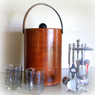 MID CENTURY MODERN Bar Cart Accessories Large & Tall Vintage Champagne Ice Bucket in Faux Brown Leather with Lid and Strap Handle / Barware