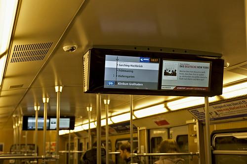 """Das neue """"Münchner Fenster"""" im A-Wagen 6340/7340 auf den ersten Runden im Fahrgastbetrieb"""