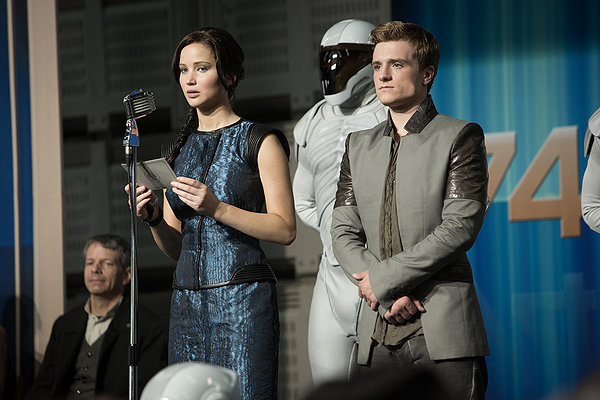 Jennifer Lawrence and Josh Hutcherson read from the script they were given in THE HUNGER GAMES: CATCHING FIRE.