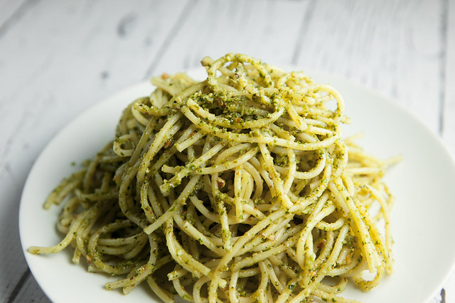 Basil Pesto With Almonds_4