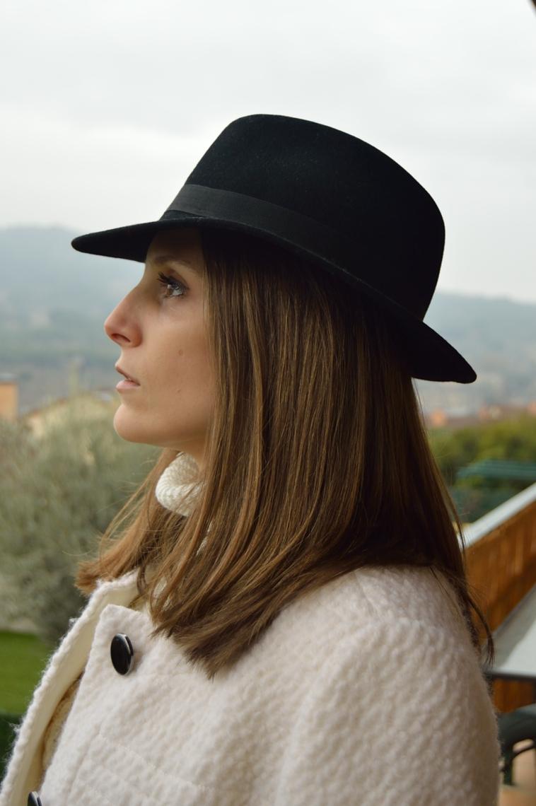 lara-vazquez-madlula-fashion-blogger-style-hat-chic