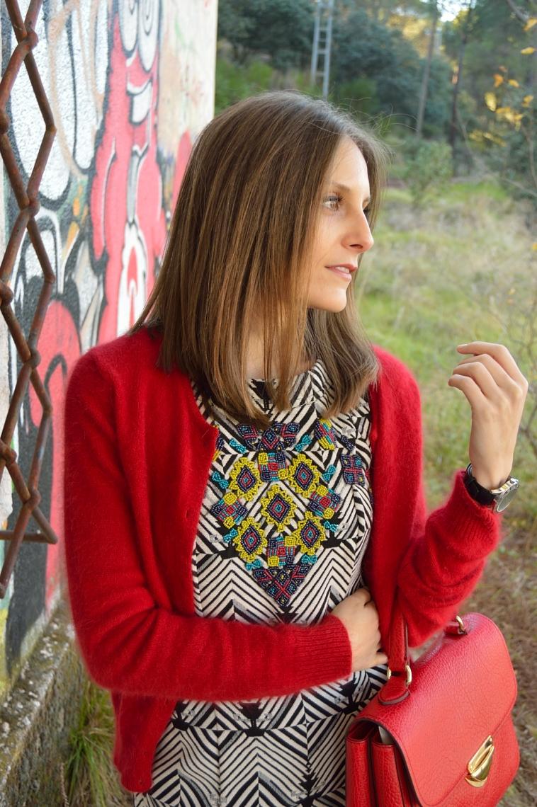 lara-vazquez-madlula-detalles-vestido-geometrico-dress-rojo-toque