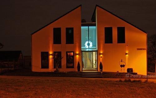20131214_Gangelt_Nachtaufnahmen_HausMitKranz1_WEB