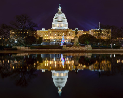 longexposure nightphotography water washingtondc christmastree uscapitol hdr waterreflection photomatix nikond600 uscapitoldome nikon2470mmf28 uscapitolchristmastree insiteimage