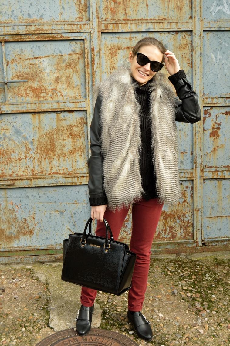 lara-vazquez-madlula-blog-fashion-wine-jeans-faux-fur-vest