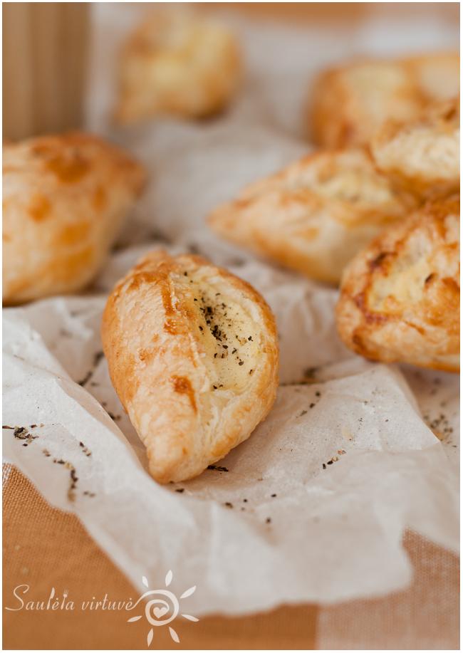 Pastizzi su sūriu (2)