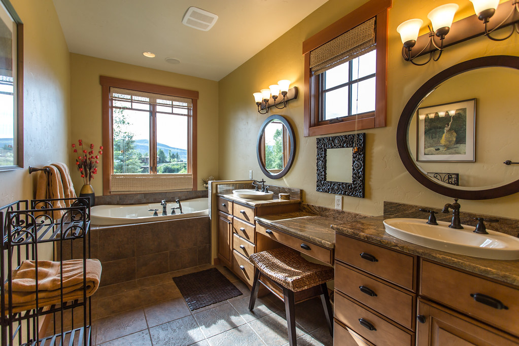 master bath, soaker tub, rain shower,