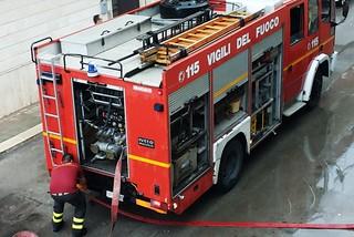 Noicataro. Pompieri in via De Rossi front