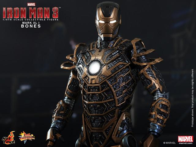 Hot Toys - Iron Man 3 - Bones (Mark XLI) Collectible Figure_PR11