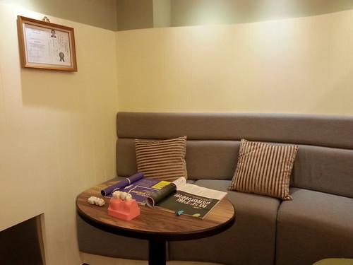 黃經理牙醫診所-人工諮詢植牙 二樓諮詢室1