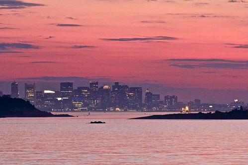 travel light sunset sea usa sun boston skyline island dusk oceanwater bostonbay canonef70200mmf28lisiiusm robertopeli mcpeluz robertopeliphotographycom