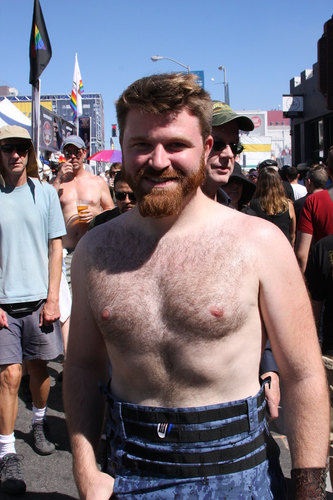 BEAUTIFUL HAIRY GINGER MAN HUNK! FOLSOM STREET FAIR 2016 ! ( safe photo )