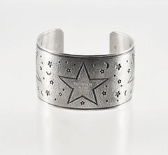 fyeahindigenousfashion: bracelet, Andy Cadman (Navajo)
