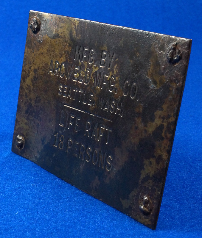RD12929 Vintage Brass Plate Arcweld Mfg. Co. Seattle Wash. Life Raft 18 Persons DSC06614