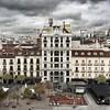 Día lluvioso en #madrid pero aún así #madridmemola #instagood  #igersmadrid #iphone6plus #plazasantaana #lluvia #rain #spain