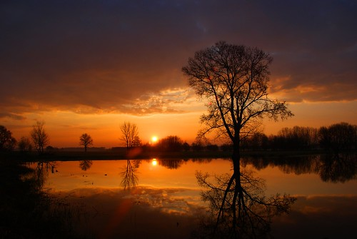 Spring sunrise on the floodplain of the Sajó river
