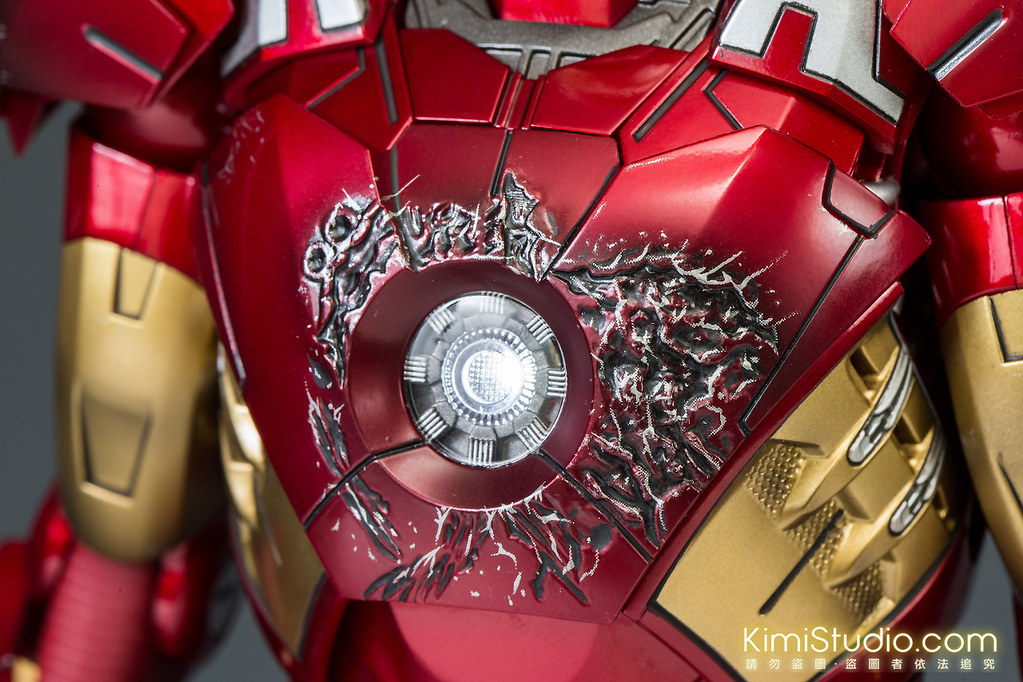 2013.06.11 Hot Toys Iron Man Mark VII-057