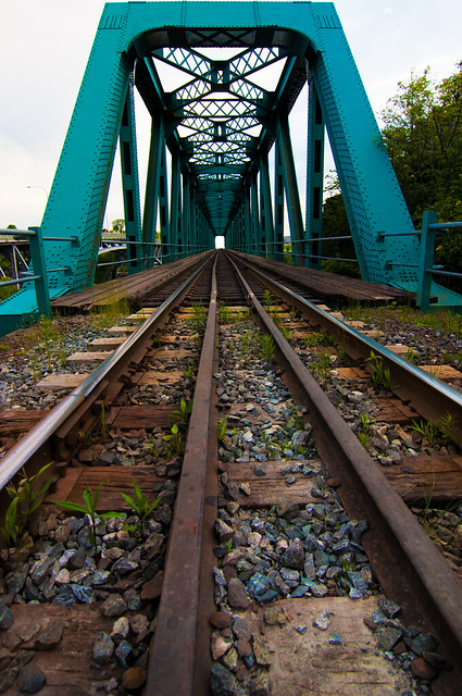Reversing fall train bridge - WIDE